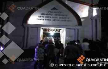 Sepelio de fallecido por Covid 19 tiene unos 150 asistentes en Ometepec - Quadratín Michoacán
