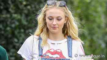 5 ways Sophie Turner styled her T-shirts in her maternity wear and otherwise - VOGUE India