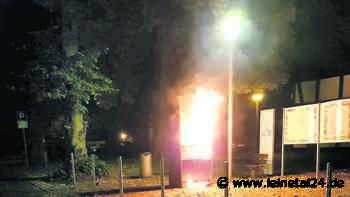 Bücherschrank und Plakatwand brennen - leinetal24.de