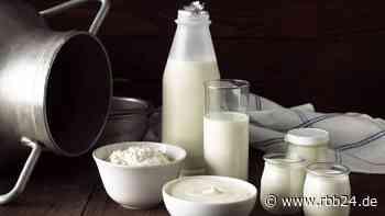 Joghurt- und Milchproduzenten streiken in Elsterwerda für mehr Geld - rbb24