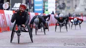 Canadian wheelchair racer Brent Lakatos wins London Marathon