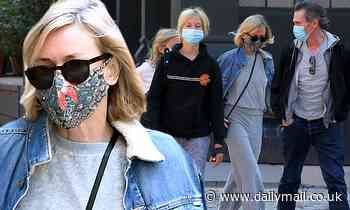 Naomi Watts stays warm in sweats as she enjoys lunch in NYC with her kids and boyfriend Billy Crudup - Daily Mail