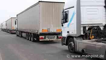 Hofheim: Fußgänger von Teil eines Lastwagenreifens getroffen - Main-Post