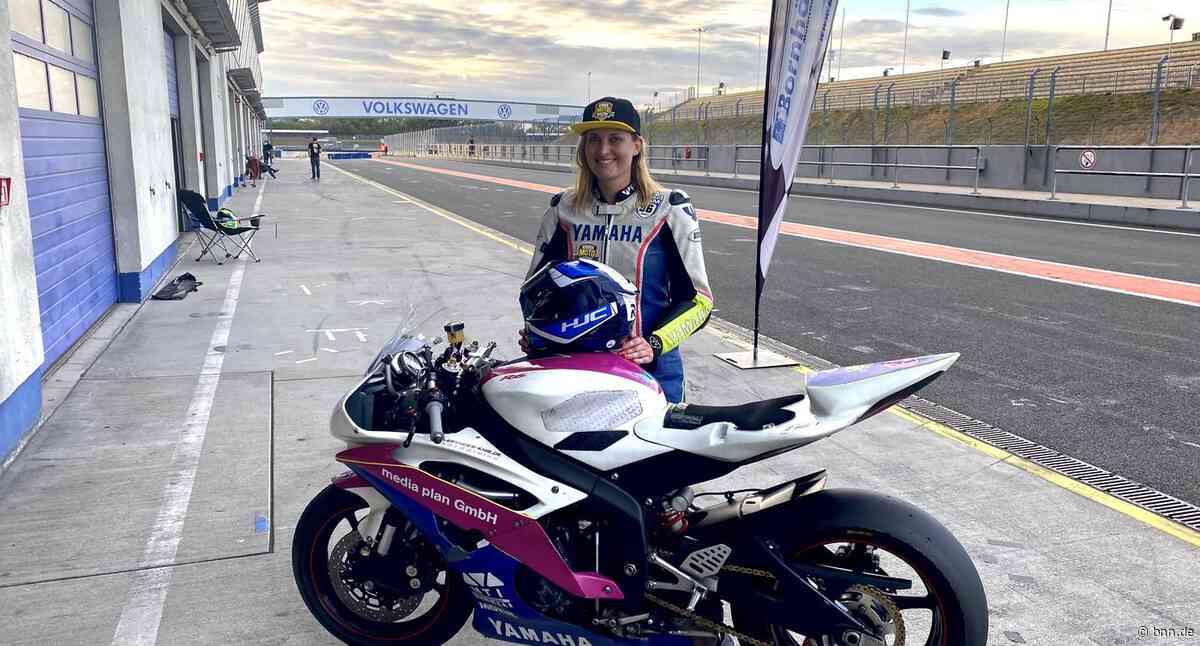 Franziska Dehn aus Gernsbach fährt gegen 33 Männer Motorradrennen - BNN - Badische Neueste Nachrichten