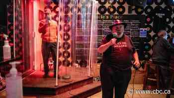 Hamilton karaoke bar lets customers sing in the shower during pandemic
