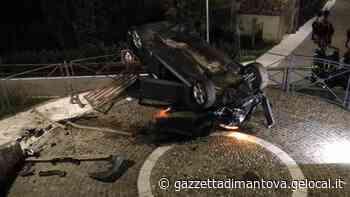Ostiglia, ubriaco in auto non si ferma all'alt dei carabinieri e va fuori strada - La Gazzetta di Mantova