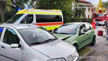 Incidente stradale ad Azzano Decimo: scontro tra 2 auto, 5 feriti - Nordest24.it