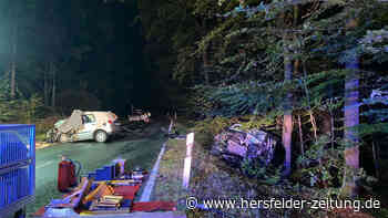 Schwalmstadt: Tödlicher Unfall - Mann in Bus eingeklemmt, PKW-Fahrer stirbt - Hersfelder Zeitung