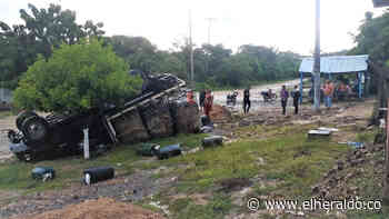 Se volteó en Monguí camión con ACPM que fue perseguido por militares - EL HERALDO
