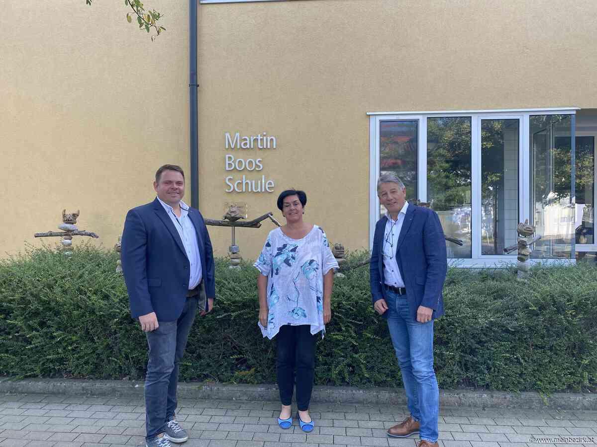 Spende: Rotarier unterstützen Distance Learning an Martin-Boos-Schule - meinbezirk.at