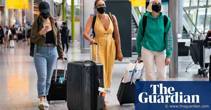 UK government looks into reducing 14-day quarantine for arrivals