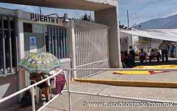 Afectados por derrame bloquean entrada a Pemex en Ciudad Mendoza - El Sol de Orizaba