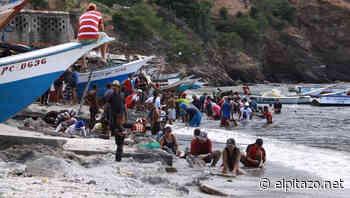 GALERÍA | Así buscan oro en la playa los pobladores de Guaca - El Pitazo