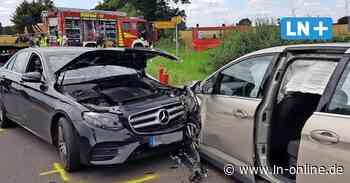 Frontalkollision in Breitenfelde mit einem Schwerverletzten - Lübecker Nachrichten