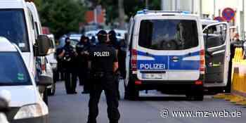 Razzia in Halle und Merseburg: Polizei durchsucht mehrere Objekte - und wird fündig - Mitteldeutsche Zeitung