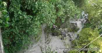 Vehículo de carga cayó a abismo en la vía Camilo C - Fredonia - El Colombiano