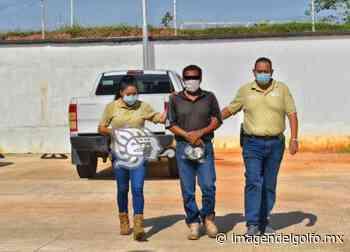 Intendente es detenido en flagrancia al robar en escuela de Oluta - Imagen del Golfo