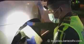 """Conductor traía la llanta de su carro repleta de """"hierba mala"""" - Noticias Caracol"""