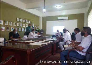 Denuncian falta de luminarias en Escobal y buscan legalizar negocios en Altos de Los Lagos - Panamá América