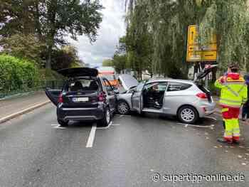 Crash in Haan: Beim Abbiegen Auto übersehen - Kreis Mettmann - Supertipp Online