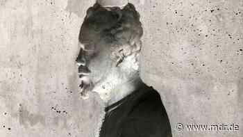 Skulptur von Ai Weiwei im Eisenacher Lutherhaus enthüllt - MDR