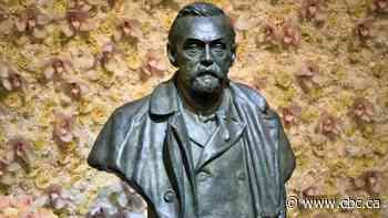 Americans Milgrom, Wilson win Nobel in economics