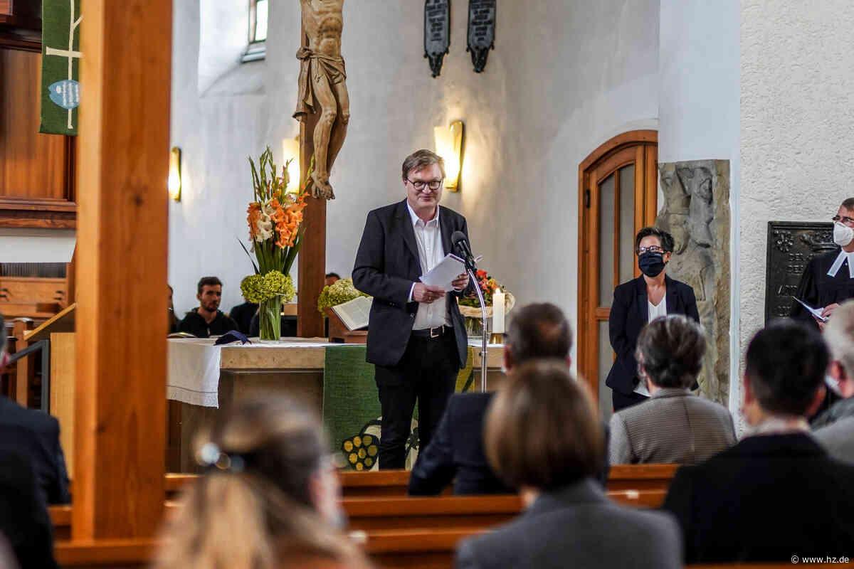 Fachschule für Sozialpädagogik in Herbrechtingen: Neuer Leiter wurde offiziell in sein Amt eingeführt - Heidenheimer Zeitung