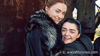 Game of Thrones showrunners pranked Sophie Turner and Maisie Williams about pilot wrap party invitations - Wiki Of Thrones