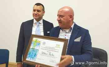 Il professore antimafia Nicolò Mannino a Settala per consegnare un attestato di riconoscimento all'imprenditore Stefano Faita - 7giorni