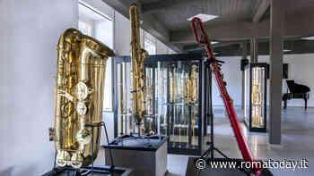 """""""The Giant is back"""", il più grande saxofono del mondo a Fiumicino"""