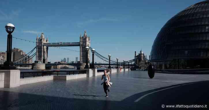 """Covid, in Gran Bretagna 17mila contagi: a Londra """"nuove restrizioni a breve"""". Parigi, """"terapie intensive all'80% entro il 24 ottobre"""""""