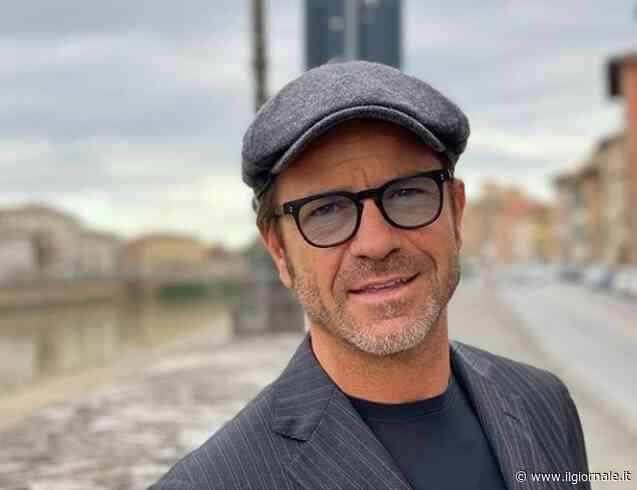 """Paolo Conticini: """"Dai social mi arrivano proposte (e video) indecenti dai fan uomini"""""""