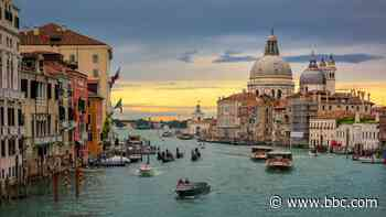 The reason behind Venice's mask culture