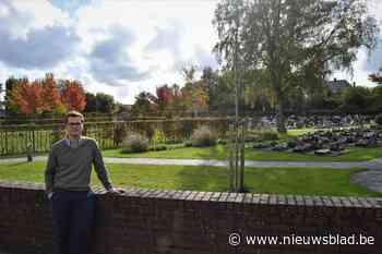 Verplaatsbare camera moet diefstallen op begraafplaats voork... (Wevelgem) - Het Nieuwsblad