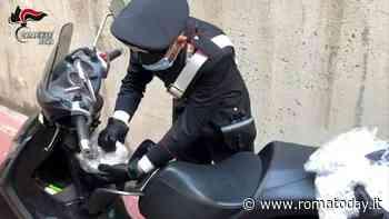 Oltre 5mila dosi di cocaina nascoste nello scooter, colpo allo spaccio al dettaglio a Tor Bella Monaca