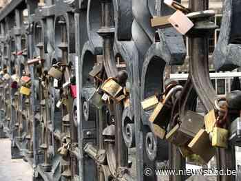 Gentse 'slotjesbrug' steeds populairder, ook al wordt ze telkens opnieuw opgekuist