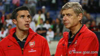 Wenger reveals denying Arsenal return for Van Persie after Man Utd move