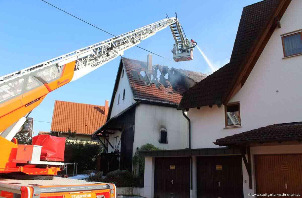 Großbrand in Pliezhausen - Flammen zerstören Haus und Scheune – immenser Schaden - Stuttgarter Nachrichten