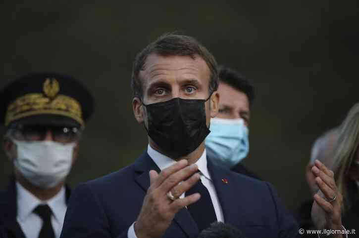 """Macron """"chiude"""" Parigi: c'è il coprifuoco dalle 21 allle 6"""