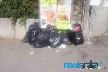 Aci Catena, rifiuti abbandonati a pochi passi dalle abitazioni: è lotta agli sporcaccioni in via San Nicolò - NewSicilia