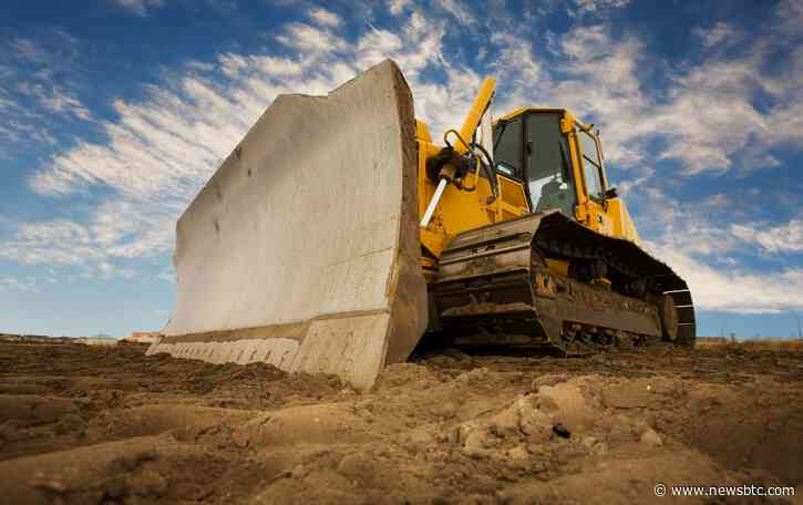 """Warning: """"Watch Out"""" For Bitcoin """"Bulldozer"""" When Volume Expands"""