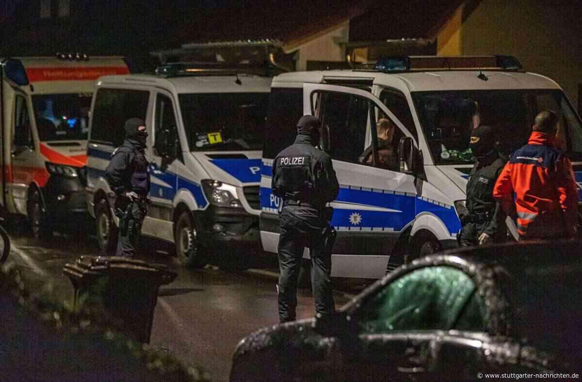 Haus in Backnang durchsucht - Spezialkräfte der Polizei im Einsatz - Stuttgarter Nachrichten