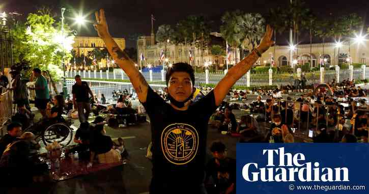 Thousands defy ban to attend pro-democracy protest in Thailand