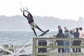 PHOTOS: Kite-surfers put on a show near White Rock Pier – Surrey Now-Leader - Surrey Now-Leader