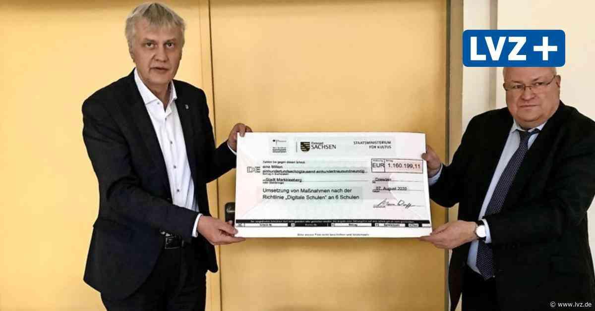 Markkleeberg: Fördermittelscheck aus Digitalpakt-Mitteln übergeben - Leipziger Volkszeitung