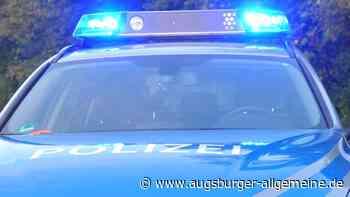 Sonne blendet: Traktor rauscht in Krumbach in zwei Autos - Augsburger Allgemeine