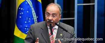 Brésil: des liasses de billets dans le caleçon d'un sénateur