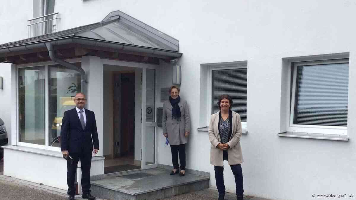 Landtagsabgeordnete Gisela Sengl besucht Gemeinschaftsunterkünfte in Trostberg und Chieming - chiemgau24.de