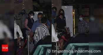 Pics: Tiger - Disha get snapped in the city