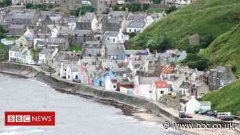Cracks appear in wall at landslip-hit Gardenstown